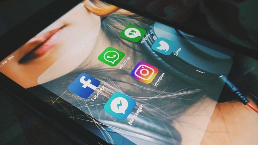 SocialMedia: Whatsapp