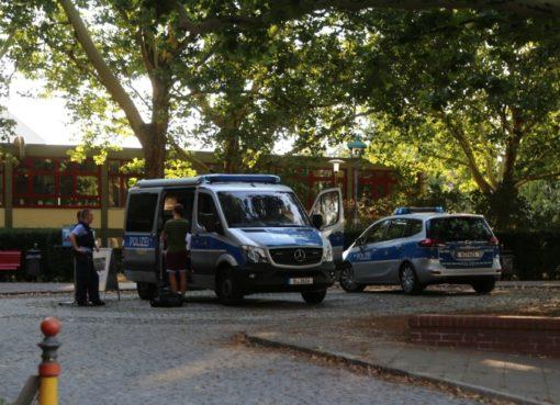 Mobile Wache der Polizei Berlin
