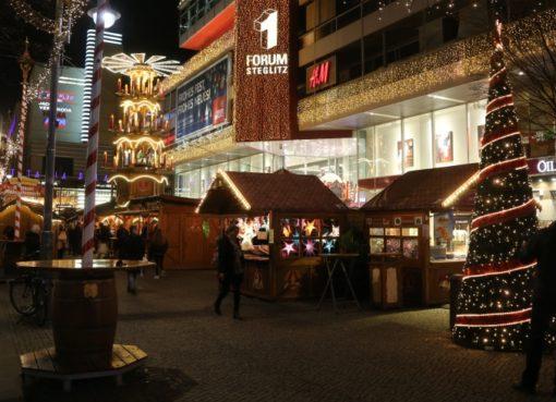 Weihnachtsmarkt vor dem Forum Steglitz
